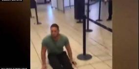 رجل مصاب بشلل نصفي يقاضي مطارا دوليا