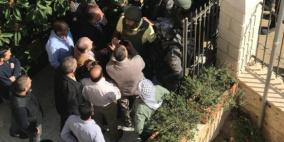 صور: الاحتلال يقتحم مقر محافظة ووزارة شؤون القدس