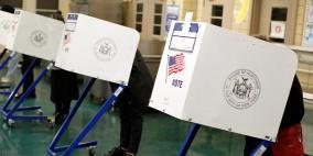 الديمقراطيون ينتزعون مجلس النواب والجمهوريون يحتفظون بأغلبية الشيوخ