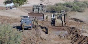 مستوطنون يجرفون عشرات الدونمات في الأغوار الشمالية