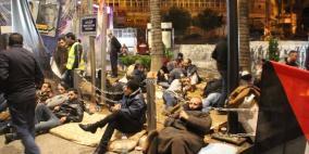لليوم الثالث.. تواصل الاعتصام والمبيت ضد الضمان وسط رام الله