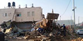 الاحتلال يمهل عائلة في مخيم الأمعري 10 أيام لإخلاء منزلها