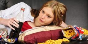 الأكل العاطفي يزيد من الإكتئاب لا ينقصه