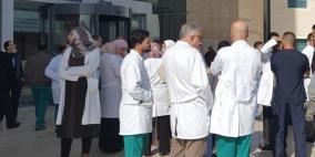 """الأطباء  يحذرون من تمرير قانون """"الحماية والسلامة الطبية"""" ويصعدون خطواتهم"""