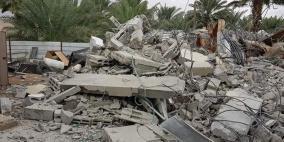 الاحتلال يهدم منزلا ويعتقل صاحبه في الجفتلك