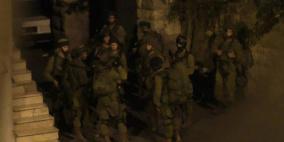 قوات الاحتلال تعتدي على طاقم سيارة اسعاف في سلفيت