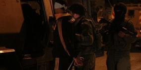حملة اعتقالات واسعة بالضفة تطال 27 مواطنا