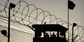 ثلاثة أسرى من الخليل يواصلون الإضراب عن الطعام