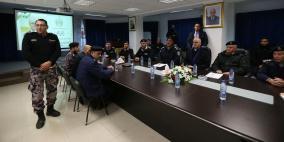 رئيس الوزراء يتفقد غرفة العمليات المركزية للدفاع المدني في رام الله