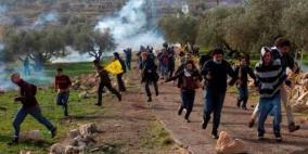 الاحتلال يقمع مسيرة قرية نعلين الأسبوعية