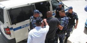 الشرطة تقبض على عصابة قامت بـ 40 عملية سرقة