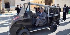 طلاب أردنيون يطورون سيارة تعمل بالطاقة الشمسية