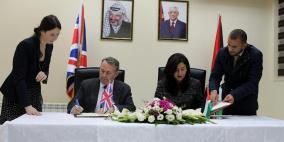 فلسطين وبريطانيا توقعان اتفاقا تجاريا ثنائيا