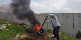 قوات الاحتلال تقمع مسيرة نعلين