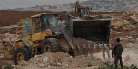 الاحتلال يجرف ويقتلع مئات الأشجار في برطعة