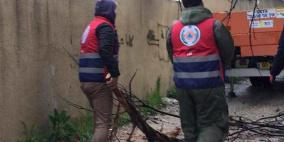 صور.. متطوعو الدفاع المدني بالقدس يتعاملون مع 10 حالات تقديم مساعدة