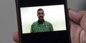 """موضة """"شارب"""" الطيار العائد من باكستان تجتاح الهند"""