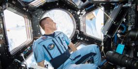 العيش في الفضاء يزيد طول الانسان!