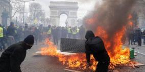 السترات الصفراء.. باريس تشتعل من جديد