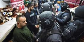 """توتر شديد يسود معتقل """"ريمون"""" وأنباء عن حرق غرف"""
