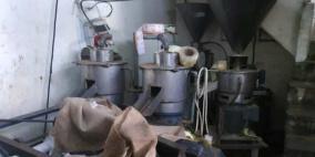 صور.. الصحة توقف مصنعا عن العمل في الخليل