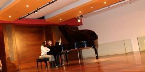 عروض موسيقية على آلة البيانو في القدس وبيت لحم ورام لله