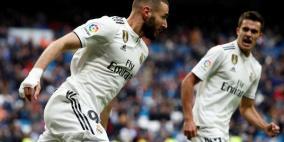 ريال مدريد يتجنب فخ إيبار بثنائية بنزيما