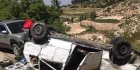 11 إصابة بحادث انقلاب مركبة غرب الخليل