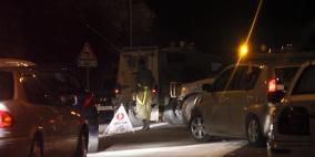 الاحتلال ينصب حاجزا عسكريا في الخليل