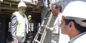 (صور) أول جولة ميدانية لوزير الأشغال في مستشفى الشفاء بغزة