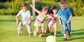 ما أهمية ألعاب الركل للطفل؟