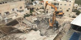 الاحتلال يهدم بناية ويجبرعائلة على هدم منزلها بالقدس