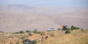 الاحتلال يدمر ممتلكات ويقتلع أشجار في طوباس