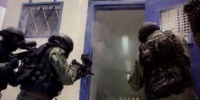 """قوات القمع تقتحم قسم الأسرى في معتقل """"عسقلان"""""""