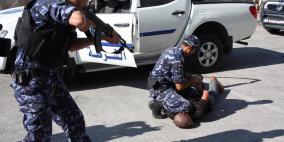 الشرطة تقبض على مطلوب صادر بحقه 30 مذكرة قضائية في الخليل