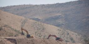 فيديو: الاحتلال يشق طرقا استيطانية في الأغوار الشمالية