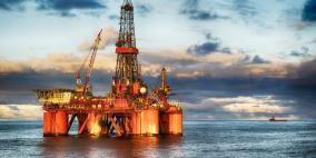 النفط ينزل مع استئناف أمريكا الإنتاج في خليج المكسيك