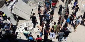 وفاة طفلة واصابة 10 مواطنين بانهيار منزل