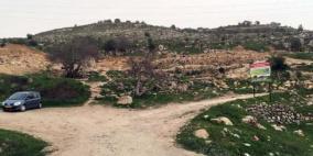 الاحتلال يصور طريقا زراعيا قيد التنفيذ وأراض زراعية في الولجة