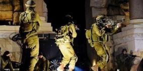 جيش الإحتلال يعتدي على حفل إستقبال أسير محرر في نابلس