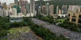 أكثر من 100 ألف يتظاهرون في هونغ كونغ