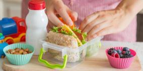 عودة المدارس.. ماذا تحضرين لطفلك في حقيبة طعامه؟