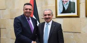 اشتية: سننهي الإشكاليات المالية لموظفي الإعلام الرسمي في غزة