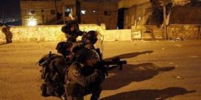 الاحتلال يعتقل شقيقين ويصيب آخرين خلال مواجهات في مخيم بلاطة