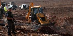 الاحتلال يجرف مساحات واسعة من أراضي قرية حجة في قلقيلية