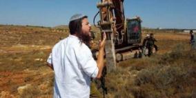 مستوطنون يجرفون أراض في ترمسعيا شمال رام الله
