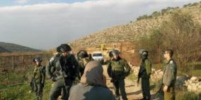 الاحتلال يحتجز عمالا في خربة سمرة بالأغوار الشمالية