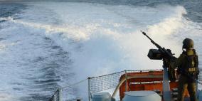 زوارق الاحتلال تفتح النيران صوب الصيادين