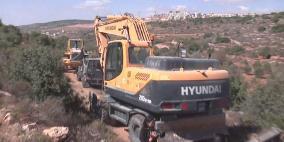 بؤرة استيطانية جديدة .. الاحتلال يجرف 30 دونما شرق الخليل