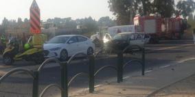 إصابة أم وطفليها في انفجار سيارة بشارع وادي عارة